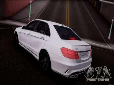 Mercedes-Benz E63 para GTA San Andreas esquerda vista
