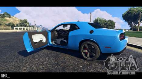 GTA 5 Dodge Challenger 2015 voltar vista