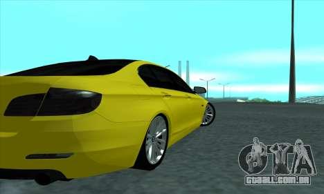 BMW 525 Gold para GTA San Andreas vista direita
