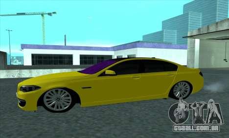 BMW 525 Gold para GTA San Andreas esquerda vista