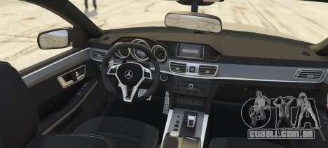 GTA 5 Mercedes-Benz E63 Brabus 850HP traseira vista lateral esquerda