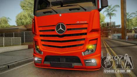 Mercedes-Benz Actros Mp4 6x2 v2.0 Steamspace v2 para GTA San Andreas vista interior
