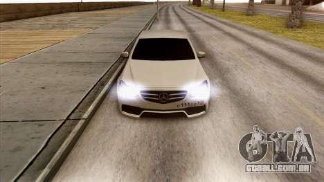 Mercedes-Benz E63 v.2 para GTA San Andreas vista interior