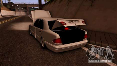Mercedes-Benz E420 para GTA San Andreas vista superior