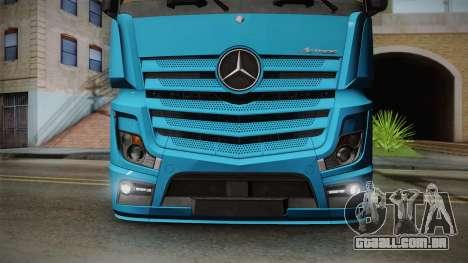 Mercedes-Benz Actros Mp4 6x2 v2.0 Gigaspace para GTA San Andreas vista direita
