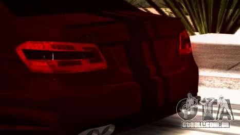 Mercedes-Benz E63 (W212) AMG 2010 para GTA San Andreas esquerda vista