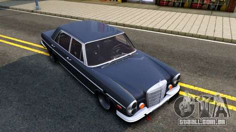 Mercedes-Benz 300SEL 6.3 para GTA San Andreas vista inferior